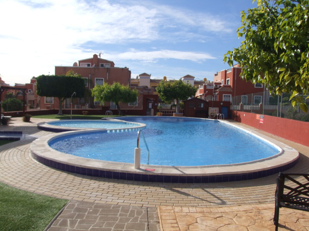Townhouse Los Montesinos